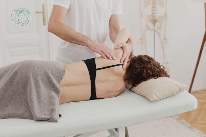 Osteopathie und Physiotherapie akute Schmerzen